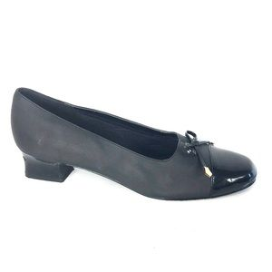 Soft Style by Hush puppies size 10 Black